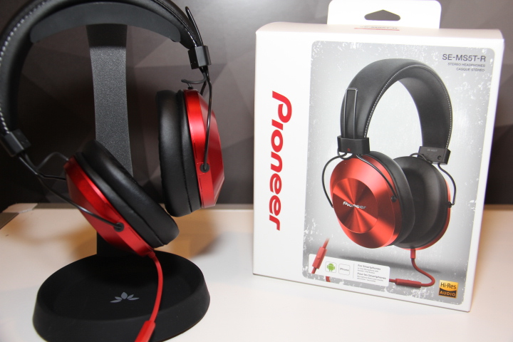Pioneer's SE-MS5T-R Hi-Res headphones (Photo by: Fredwill Hernandez/The Hollywood 360)