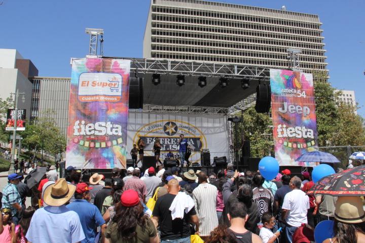 ATL [Garza] performing Raggaeton (Photo by: Fredwill Hernandez/The Hollywood 360)
