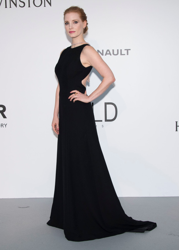 Jessica Chastain poses for photographers upon arrival at the amfAR charity gala during the Cannes 70th international film festival, Cap d'Antibes, southern France, Thursday, May 25, 2017. (Photo by Arthur Mola/Invision/AP)