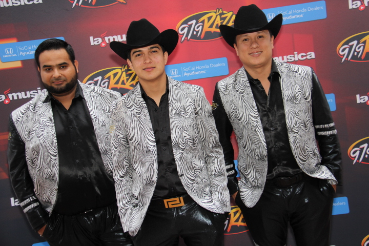 Ulices Chaidez y sus Plebes arriving (Photo by: Fredwill Hernandez/ The Hollywood 360)