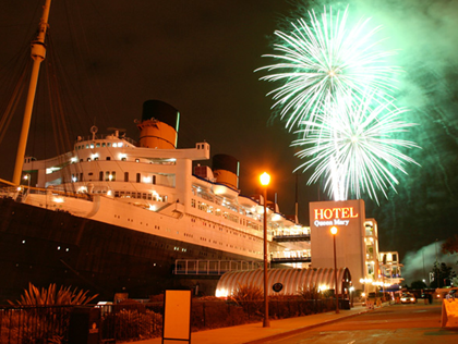fireworks-queen-mary