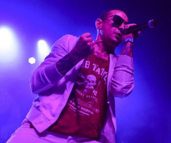 Chester Bennington, Linkin Park Frontman Is Dead at 41 Of An Apparent Suicide #RIP