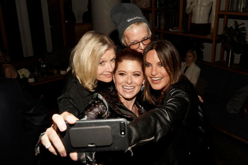 (l-r) Diane Sawyer, Debra Messing, Nancy Jarecki, Mariska Hargitay