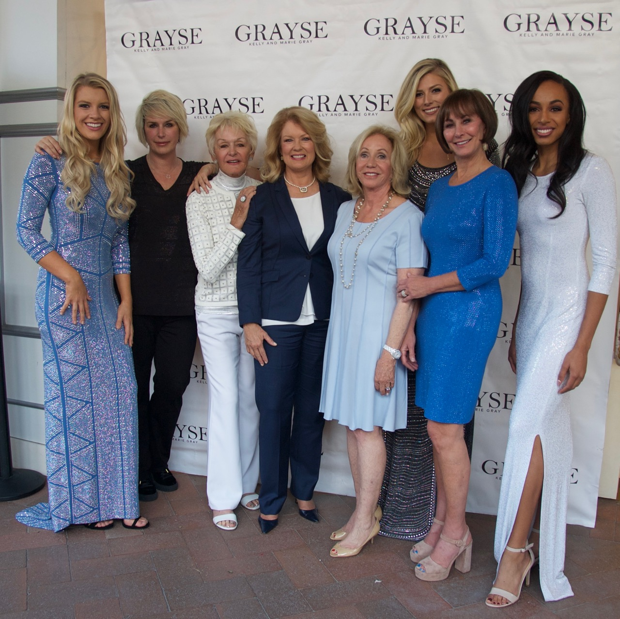 Kelly Gray, Marie Gray, Mary Hart, Susie Spanos, Lynn Weidner and models