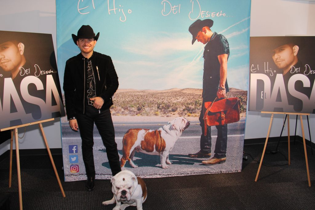 El Dasa [all smiles] with his French Bulldog Benito (Photo by: Fredwill Hernandez/The Hollywood 360)